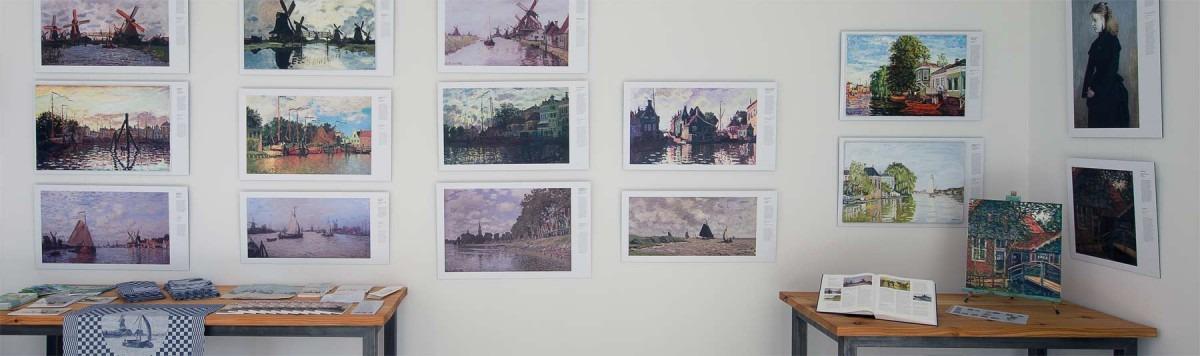 Atelier van Monet in Zaandam met schilderijen